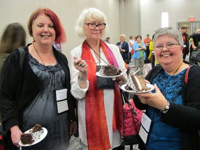 Me With Sarah Byrne And Lesa Holstine - Raleigh Bouchercon 2015